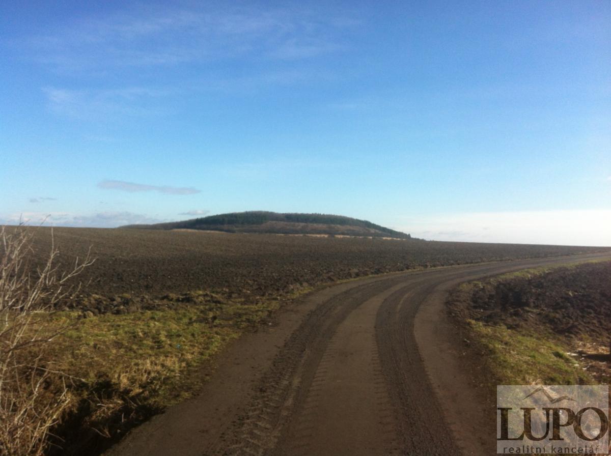 Prodej orné půdy cca 87.000m2, Semice, okr. Nymburk