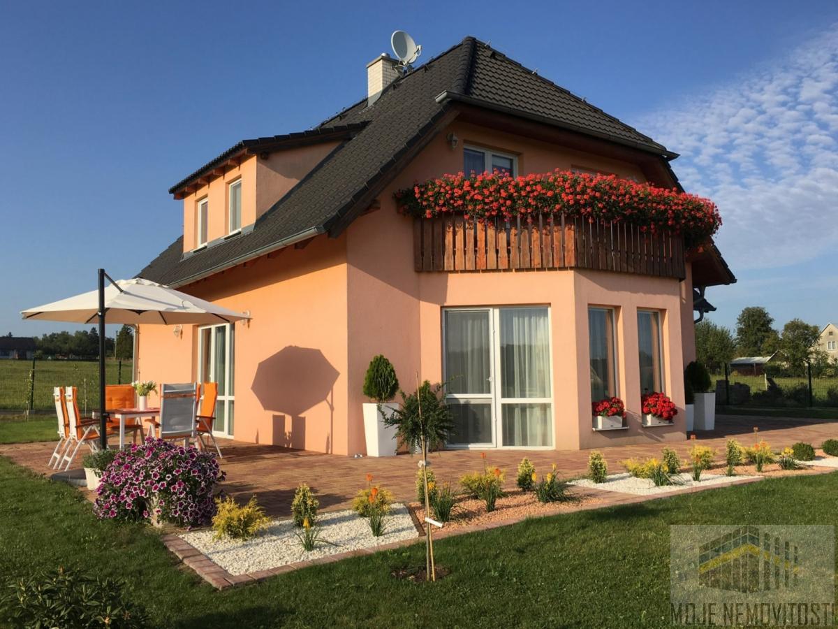 Prodej rodinného domu 253 m2, pozemek 1494 m2, Dolní Domaslavice
