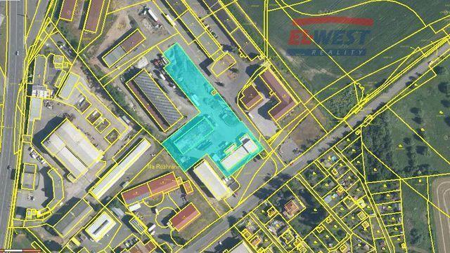 Prodej výrobní haly s pozemky v průmyslové zóně v Klatovech
