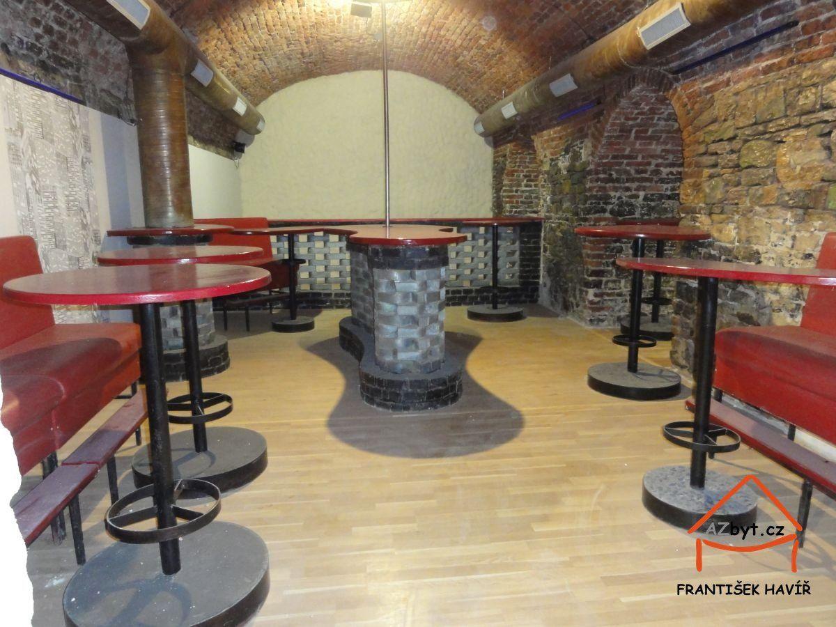 Pronájem vinárny/baru s nočním provozem, 240 m2, metro Anděl, Praha 5  Smíchov, ul. Lidická/Preslova