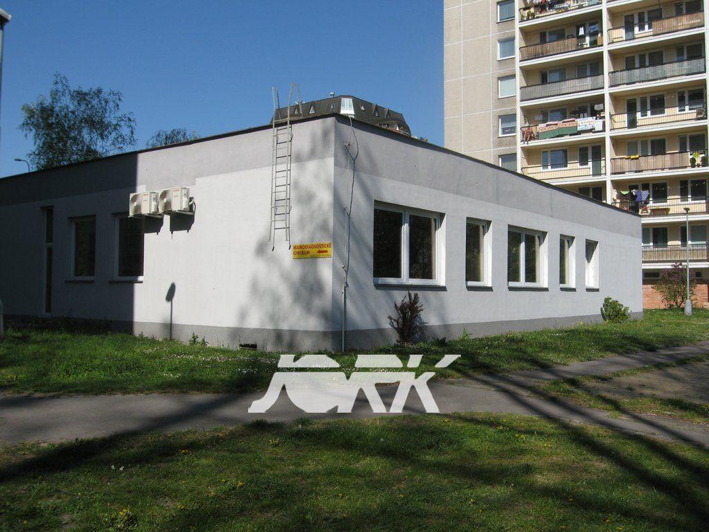 Pronájem komerčních prostor pro zdravotnictví v centru Pardubic, 137 m2