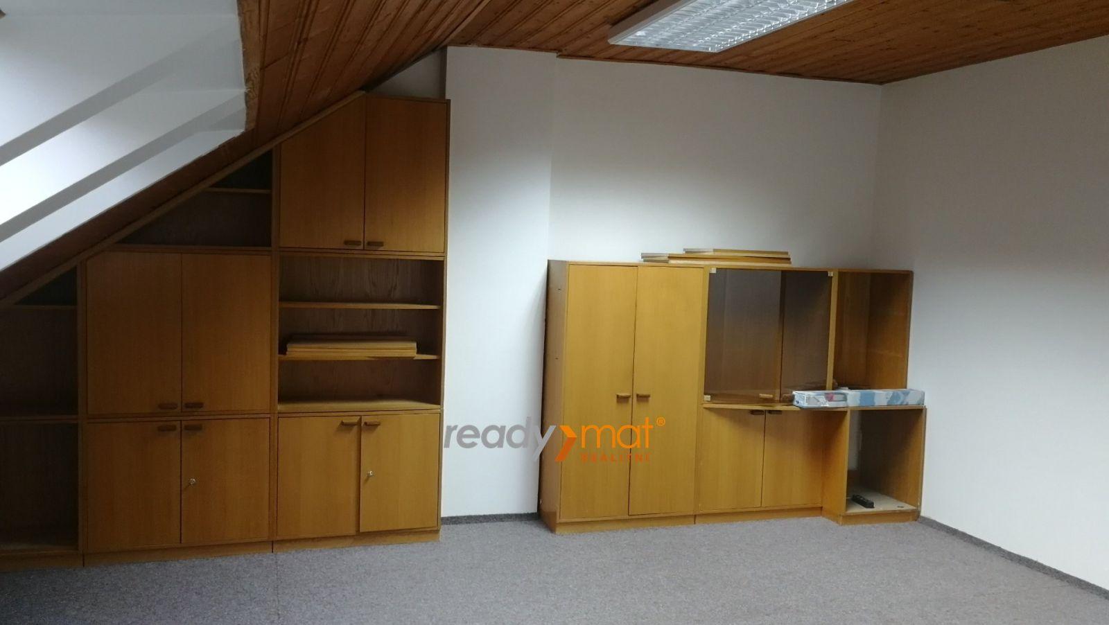 Pronájem kanceláře 52 m2 s parkováním, centrum, Hodonín