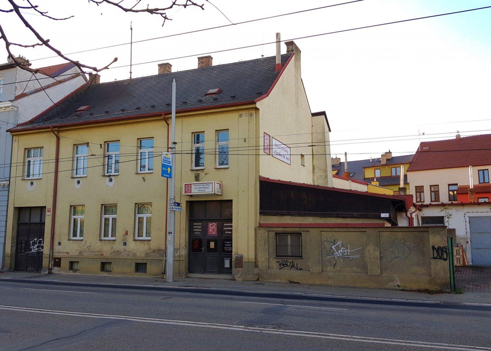 Bytový dům s nebytovými prostory (dílnami), ul. Nádražní, České Budějovice