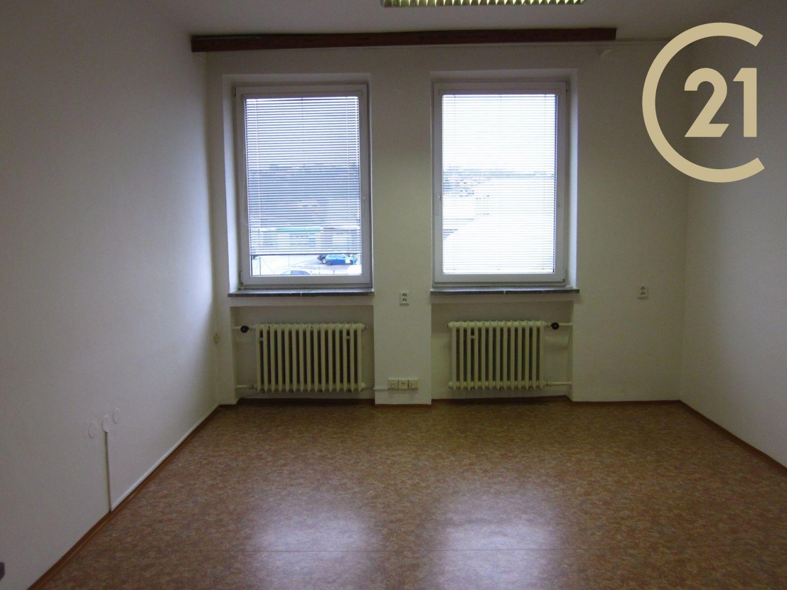 Pronájem, Kanceláře, 22 m2 - Zlín - Prštné