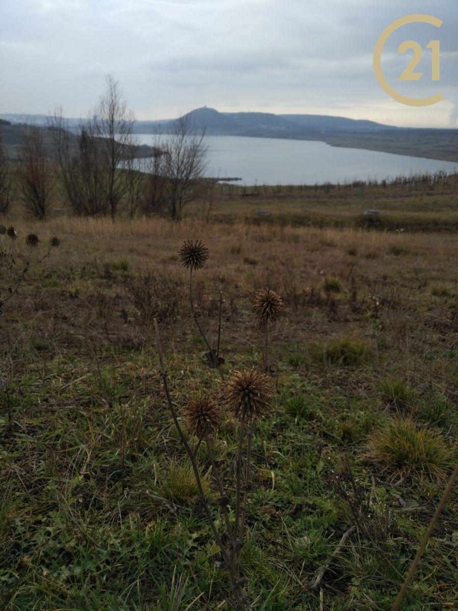 jezero MOST, nabídka pozemku 8,4ha, výstavba fotovoltaické elektrárny