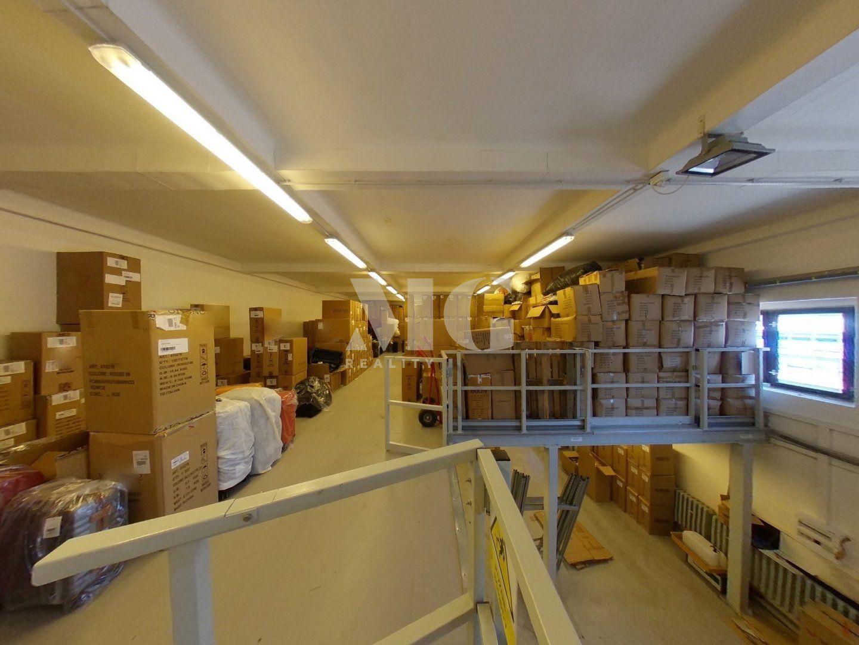 Prodej provozovny se skladovací plochou 1000 m2 na pozemku 1434 m2, Praha 9 - Horní Počernice