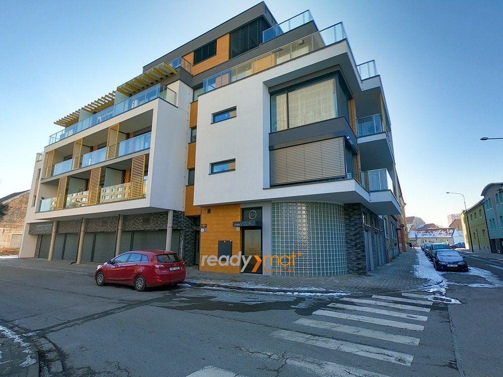 Prodej novostavby, komerční prostory 80 m2, Hodonín