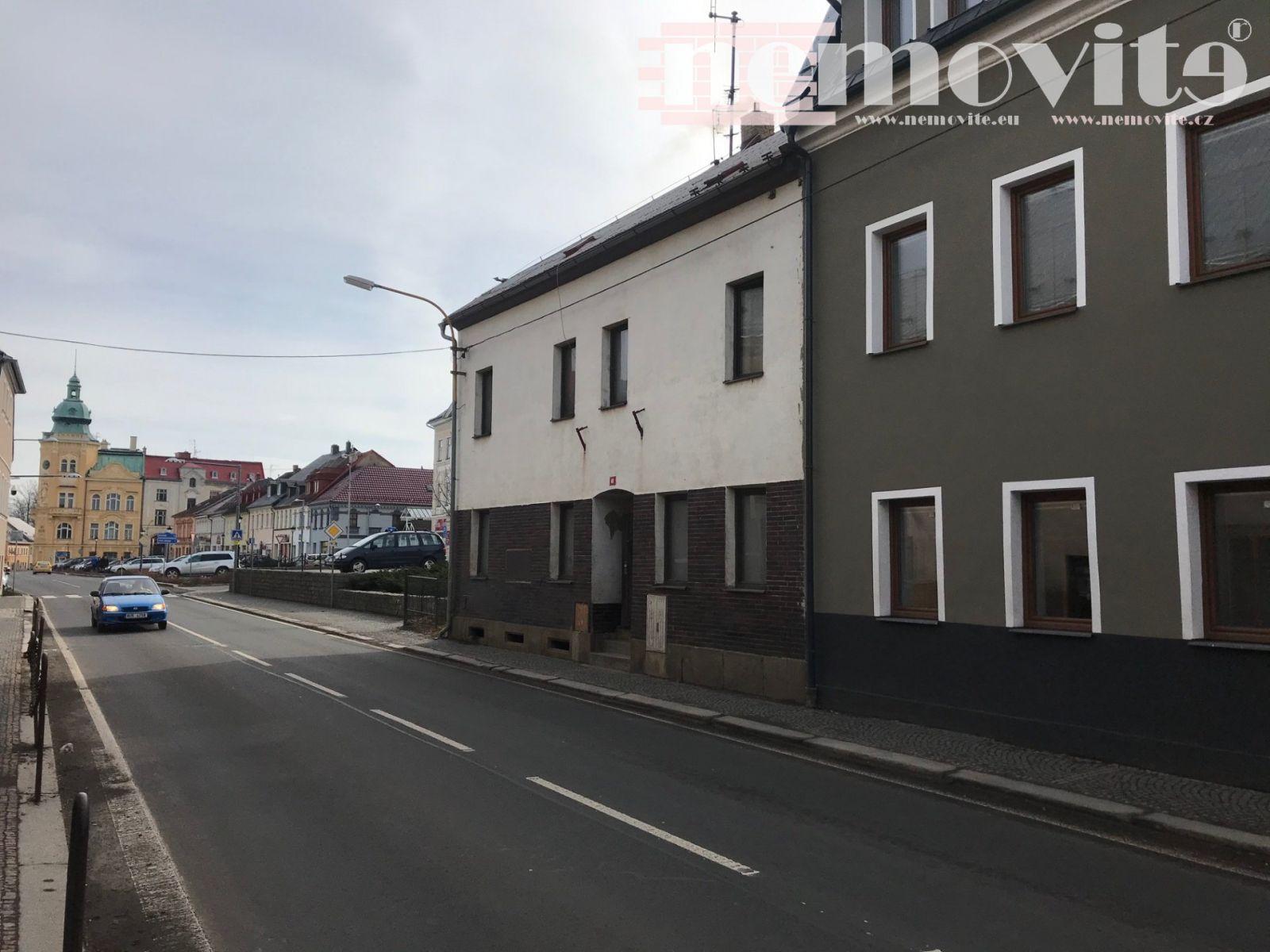 Exkluzivně nabízíme prodej bytového domu s pěti bytovými jednotkami v obci Šluknov