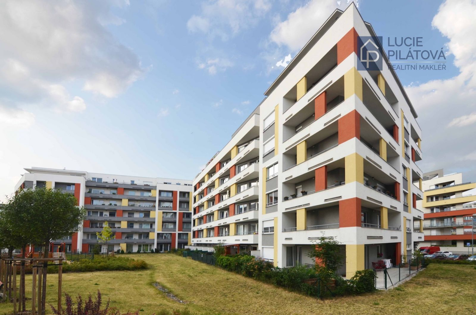 Prodej bytu 2+kk, 71 m2 s garážovým stáním - Praha - Zličín
