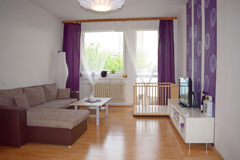 Rozlehlý 4+1 s lodžií, 98 m2, v panelovém domě v Modřanech, Praha 4