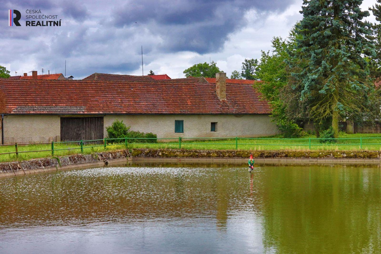 Kupte si zachovaléstavení kousek od zámku Hluboká