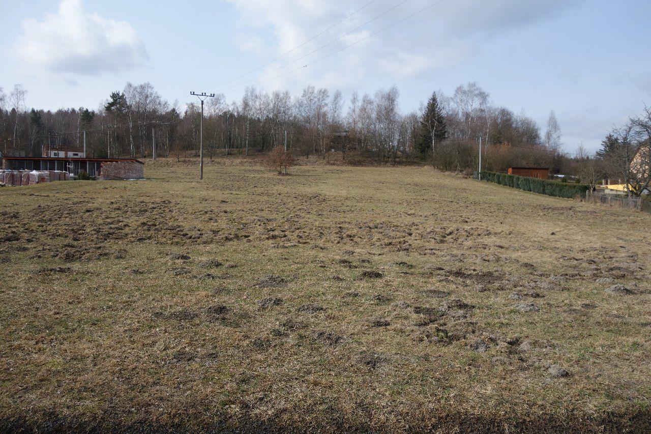 Prodej dvou pozemků v Plesné - část Šneky