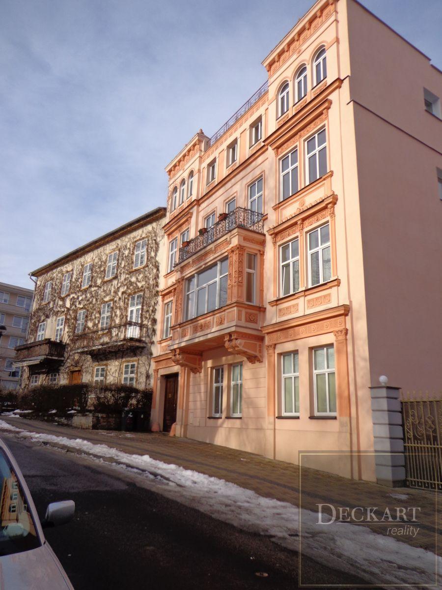 Hezký prostorný byt 3+1 (bezbarierový) k pronájmu