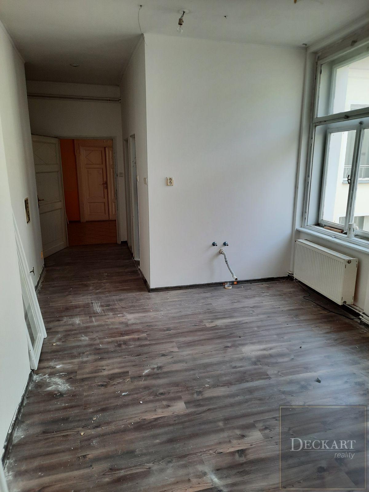Pronájem nově zrekonstruovaného bytu 1+kk, 33 m2