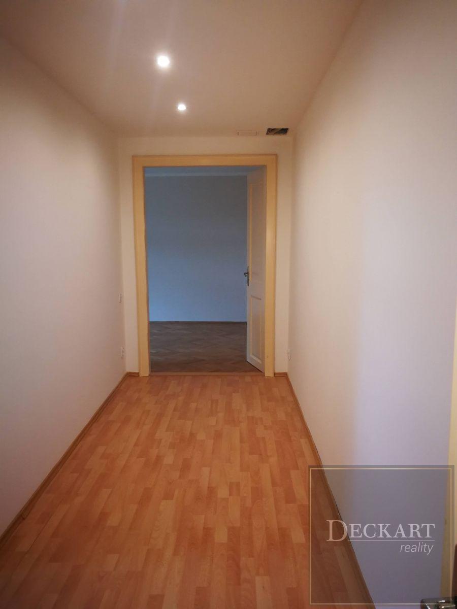 Pronájem bytu 2+1, 60 m2 v cihlovém domě po kompletní rekonstrukci