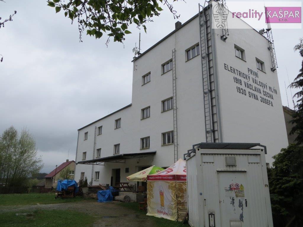 Rakovnicko - Slabce - prodej komerční nemovitosti pro kulturní centrum či ubytování