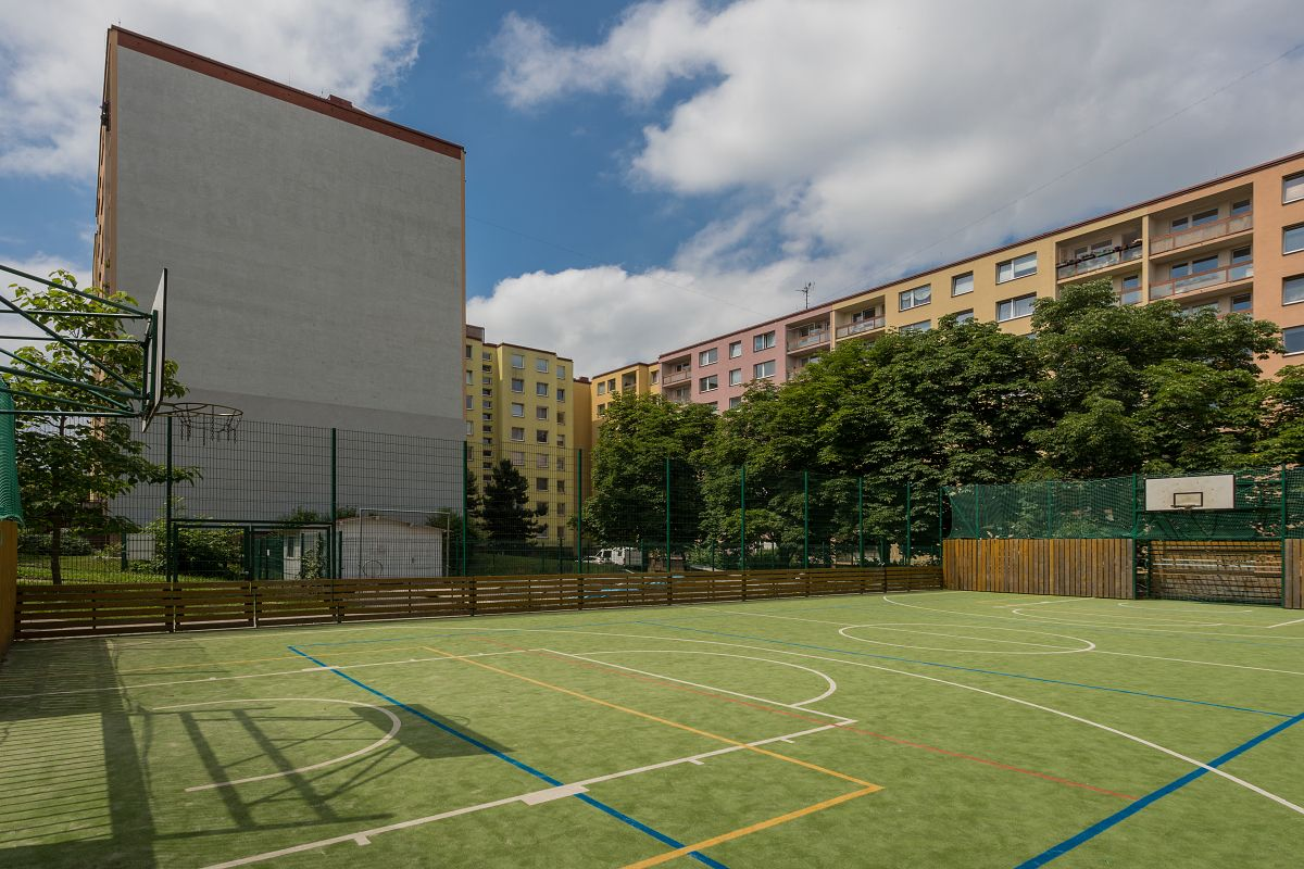 PRODEJ bytu 1+kk, DV, 31,5 m2, ul. Voskovcova,  Praha 5 - Hlubočepy