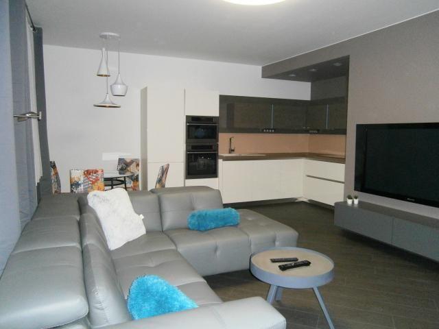 Pronájem luxusního bytu 3+kk, 94 m2, Praha 9 Střížkov, Makedonská ulice.