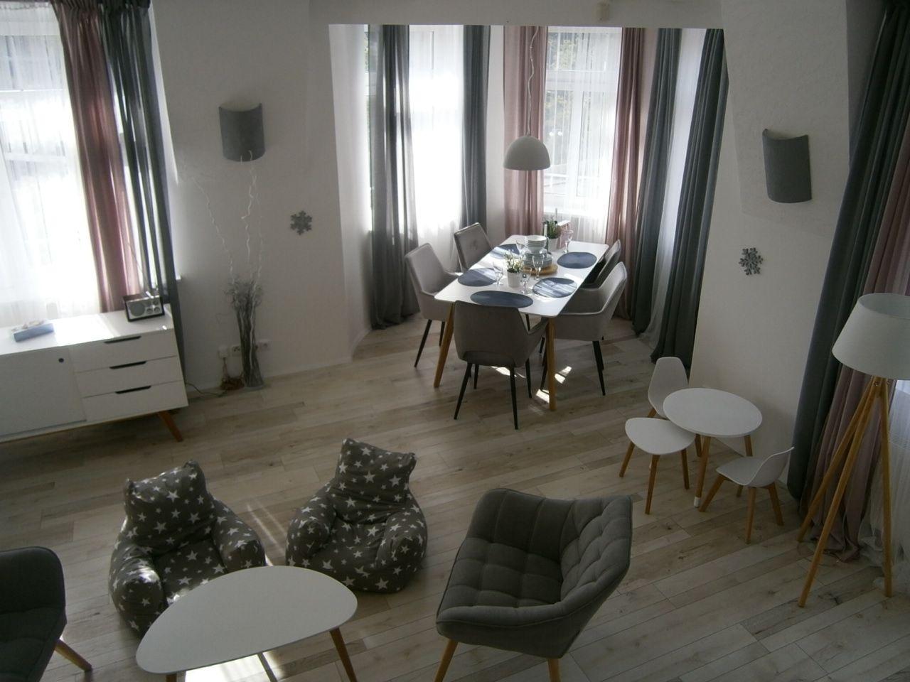 Prodej luxusního a krásného mezonetového bytu 7+1, 210 m2, Karlovy Vary, nábřeží Jana Palacha