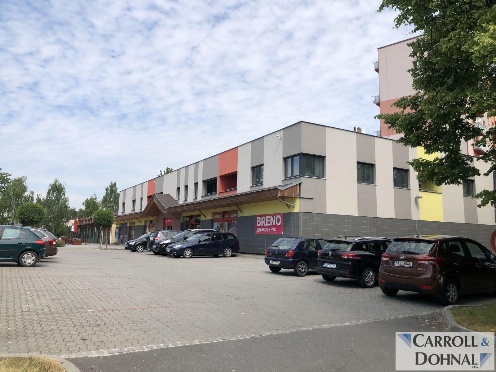Pronájem 750 m2 skladovacích a kancelářských prostor v Hlučíně.