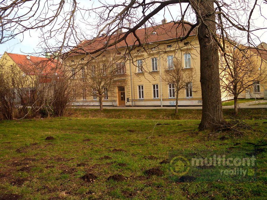 Převod práv k bytu 1+1 v centru Vyškova