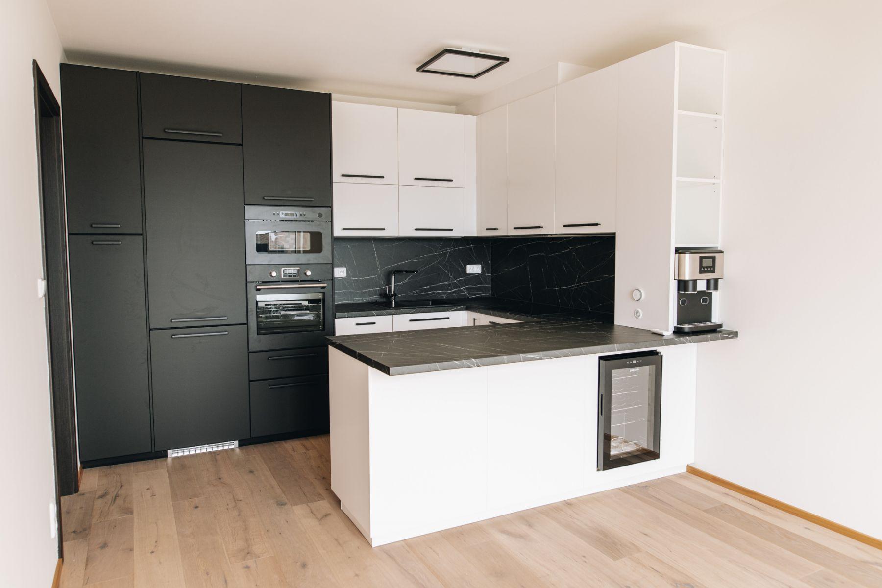 K pronájmu nabízíme luxusní a prostorný byt 3kk o rozloze 72m2 s Terasou 17m2