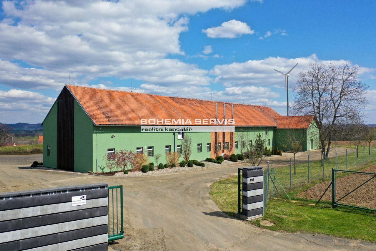 PRODEJ komerčního objektu v obci Okřesaneč