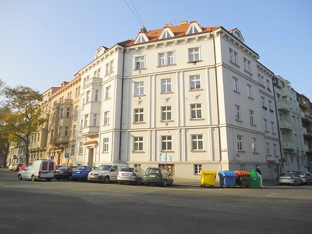 Byt 3+1/B,112m2 v D/OV,výtah v rezid. čtvrti Bubeneč, Puškinovo nám., Praha 6