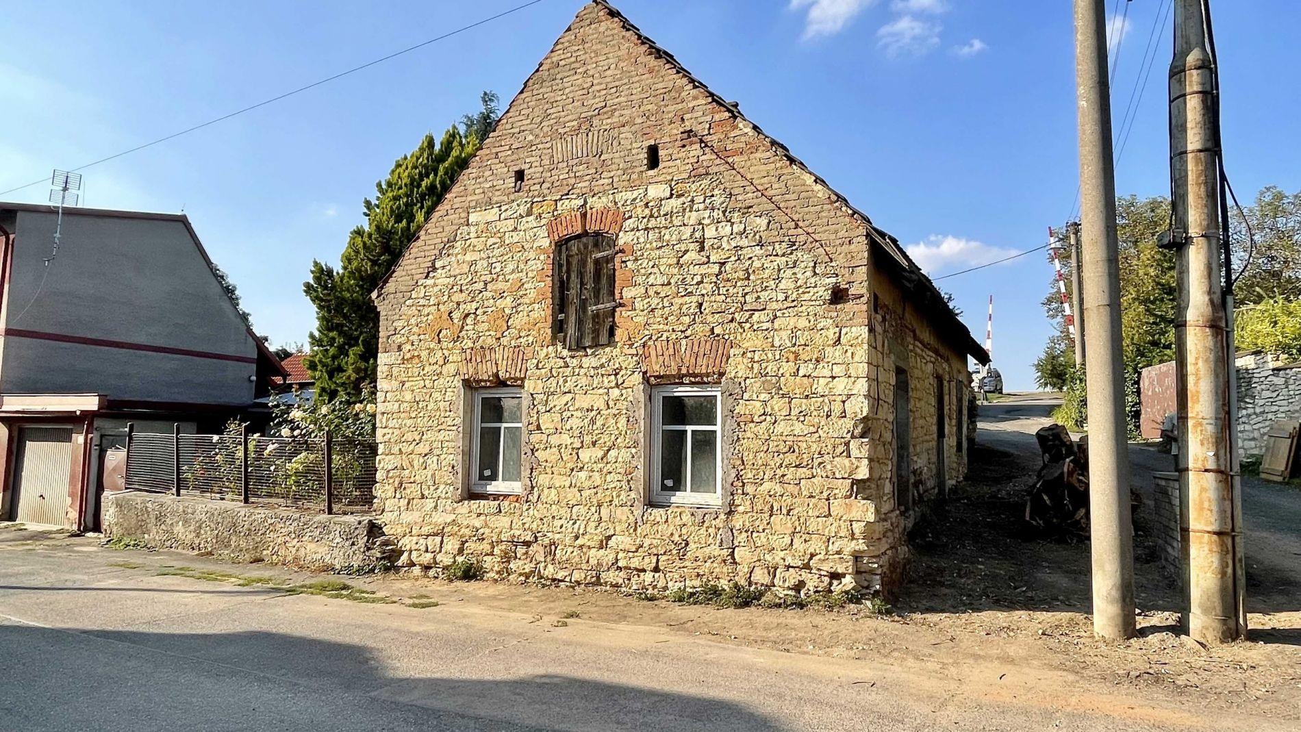 Prodej rodinného domu 4+kk, 84m2, pozemek 126m2, Hostivice - Litovice