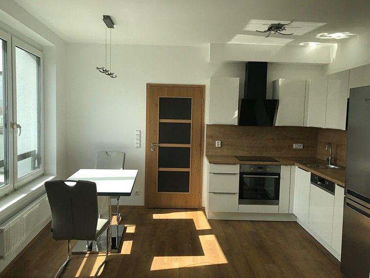 Pronájem bytu 2+kk, 56m2, Praha 9 - Střížkov