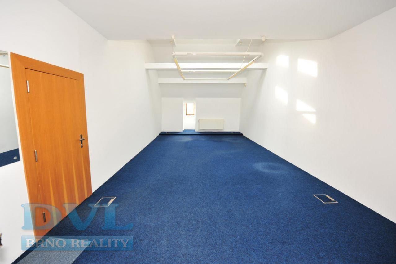 Kancelář 39 m2 - Brno-střed, náměstí Svobody.