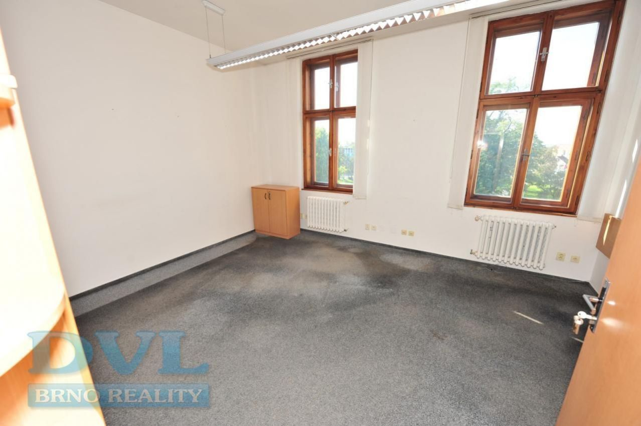 Kanceláře 54 m2 - Brno-střed, ul. Čechyňská. 3 místnosti.