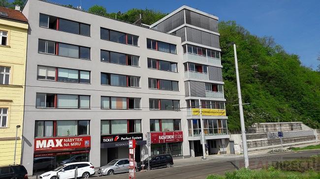 Prodej kanceláře + 2 x lodžie (142 m2) , ulice Radlická, Praha 5 - Smíchov