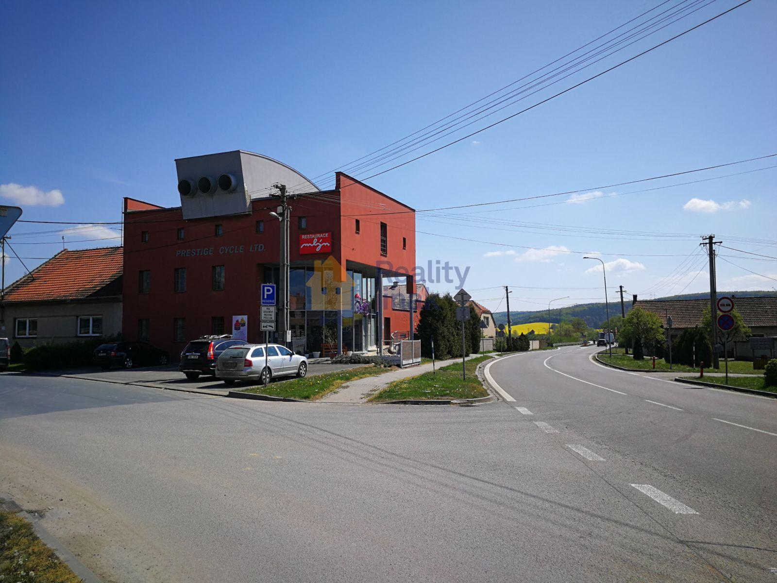 Prodej multifunkční budovy v Bučovicích, 664m2, 8 park. míst, terasy 130m2, Bučovice - Vícemilice