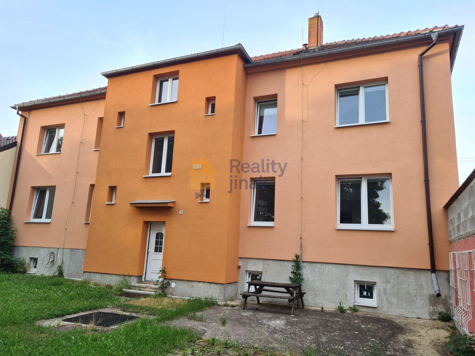 Prodej domu pro komerční využití, 4 nebytové prostory, zahrada, Dolní Dunajovice