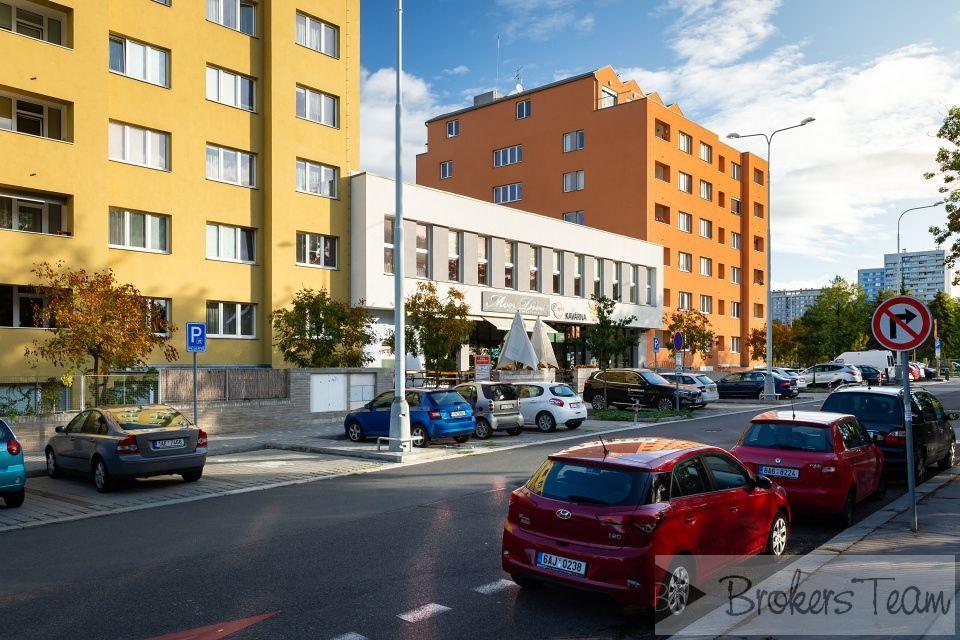 Nebytový prostor 82 m2 - Praha - Kobylisy