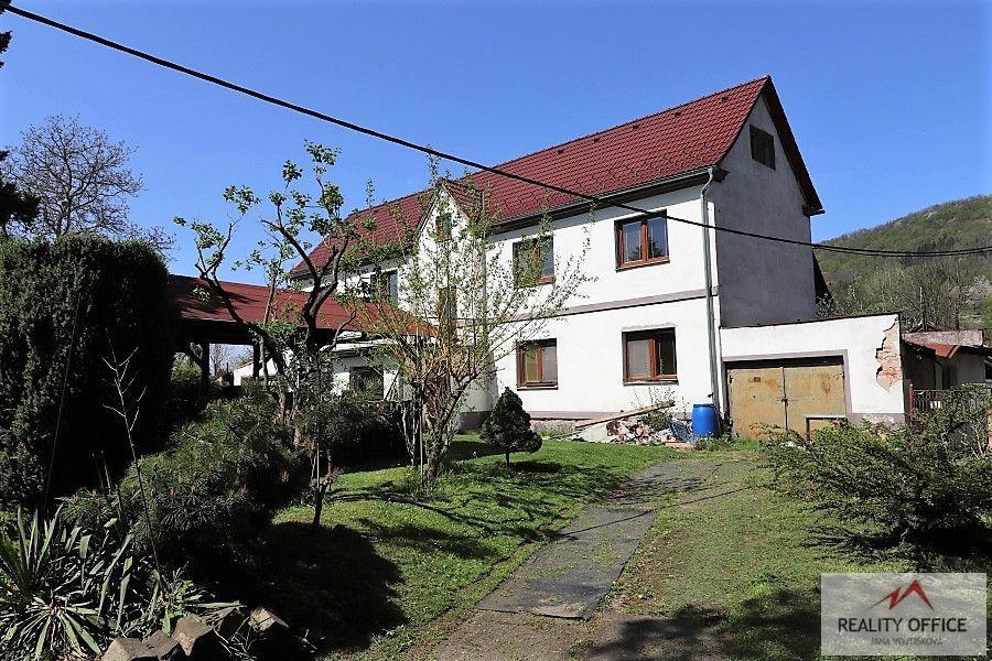 Prodej RD ( 2x3+1) 3x garáž, pozemek 2200m2
