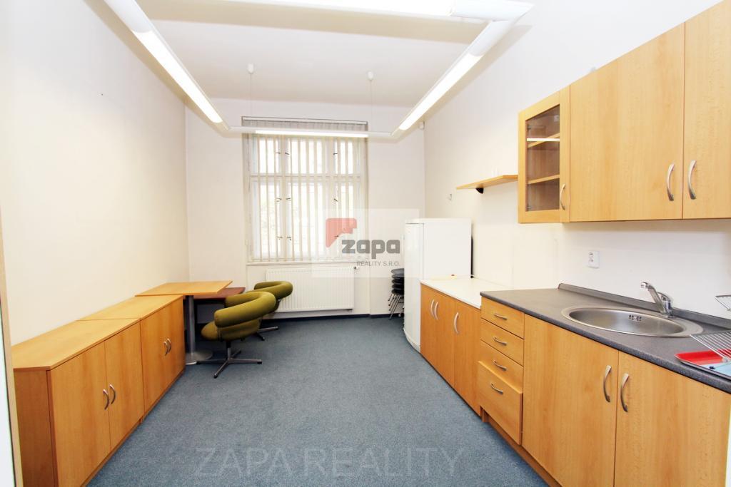 Pronájem bytu 3+1 86m Praha 6 Střešovice - Kajetánka