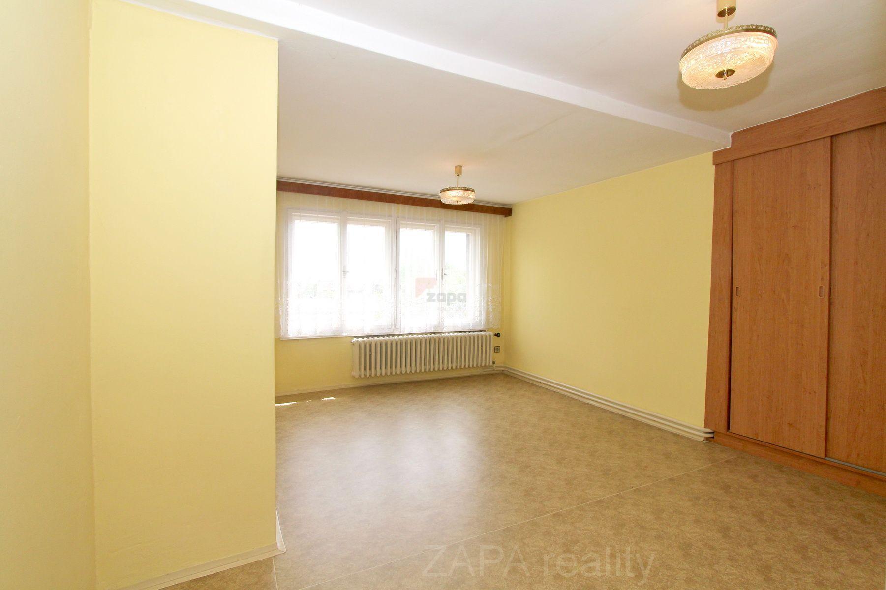 Pronájem bytu 1+kk 30m2 Praha 10 Na Třebešíně nezařízeno