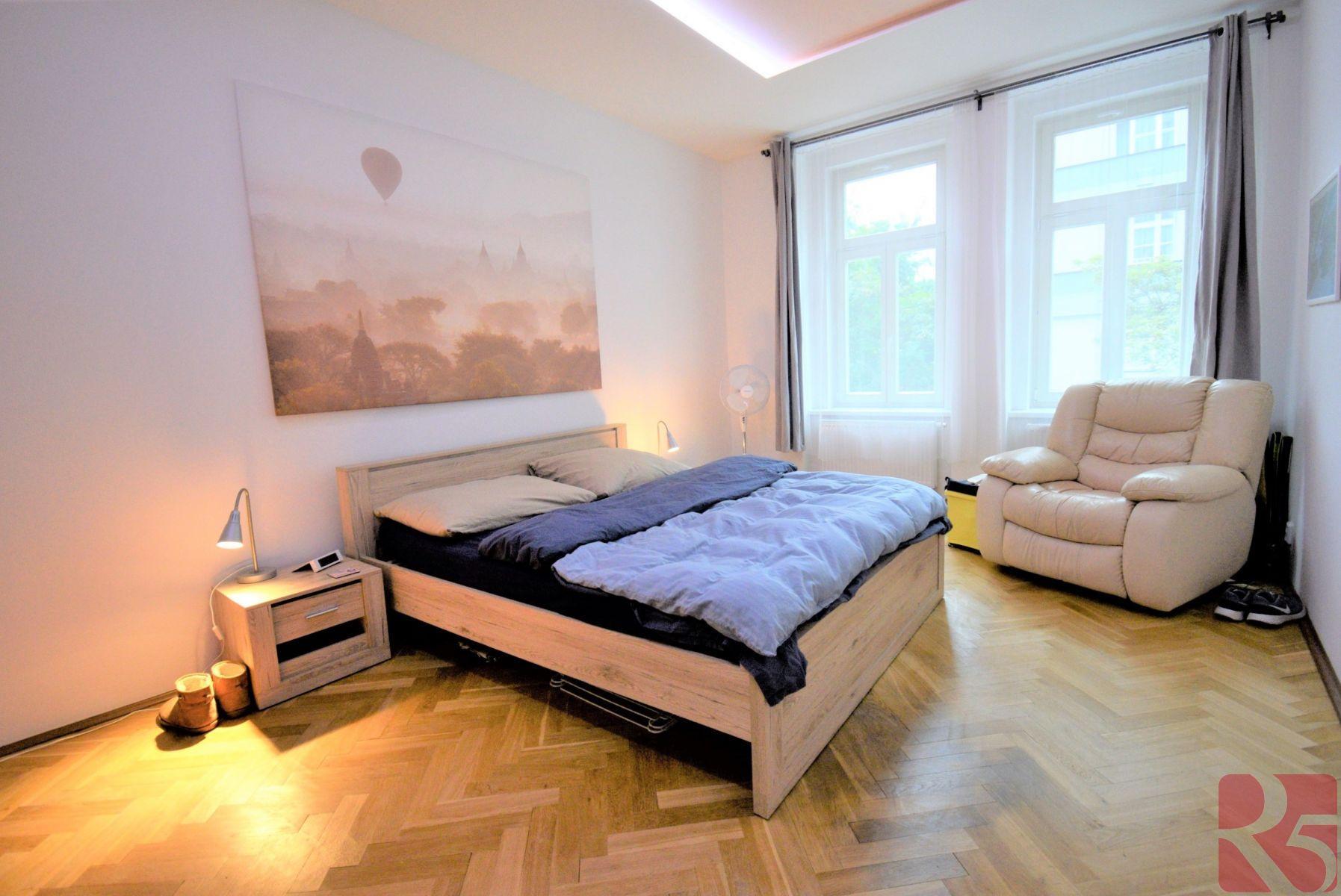 Pronájem zařízeného bytu 2+1 75m2 Praha 3, Žižkov, Kubelíkova
