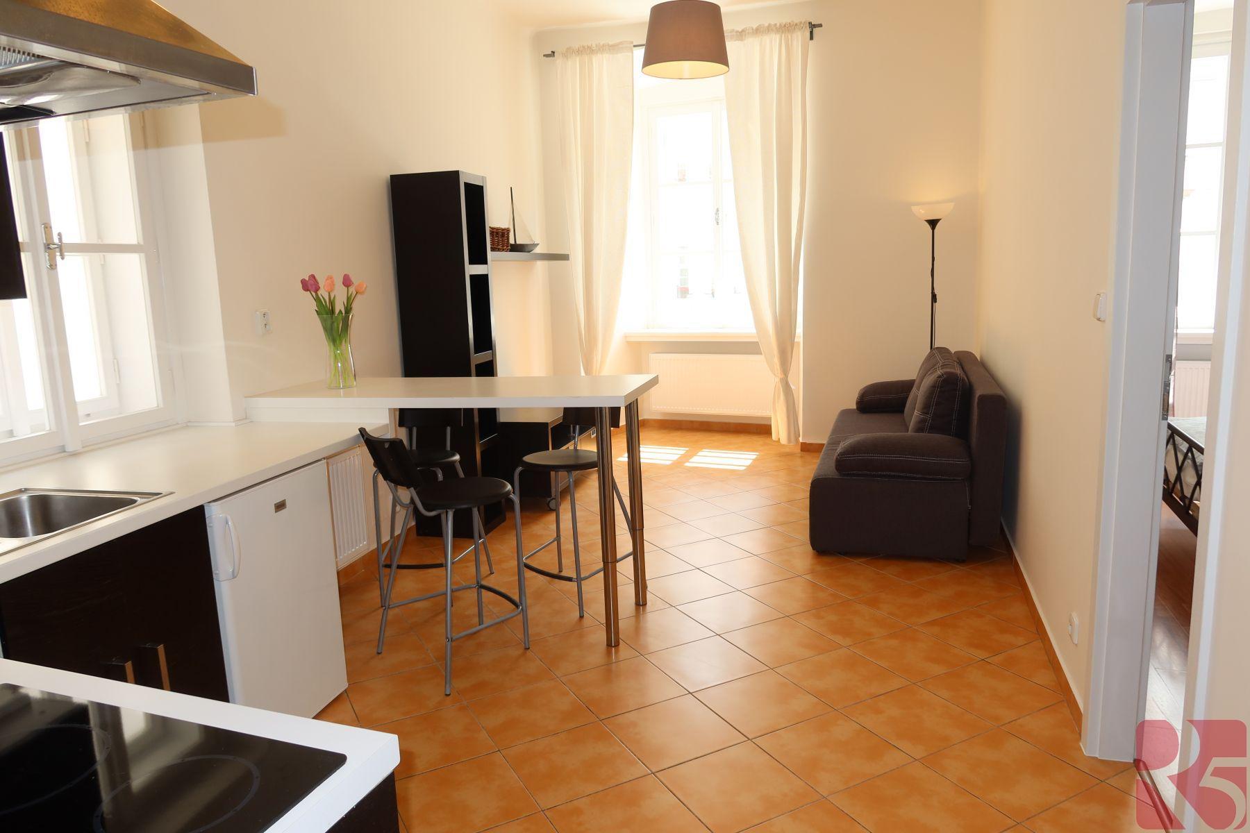 Pronájem bytu 2KK Betlémské nám., Praha