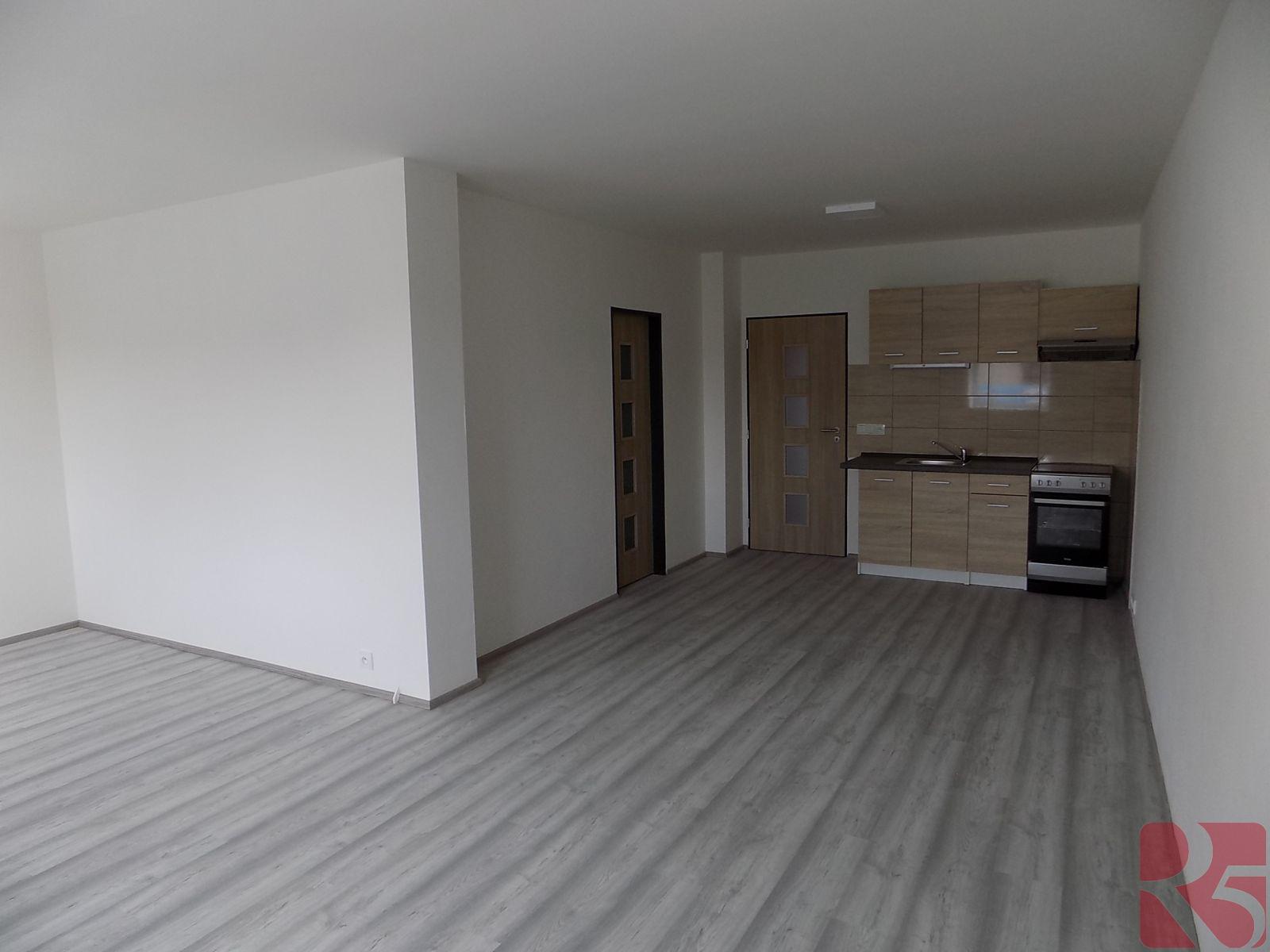 Pronájem novostavby bytu 2+kk, 62 m2, v centru města Dobříš