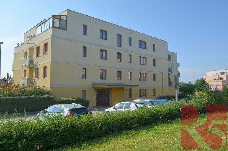 Byt 2+kk, 37 m2, Prorektorská, Praha Malešice