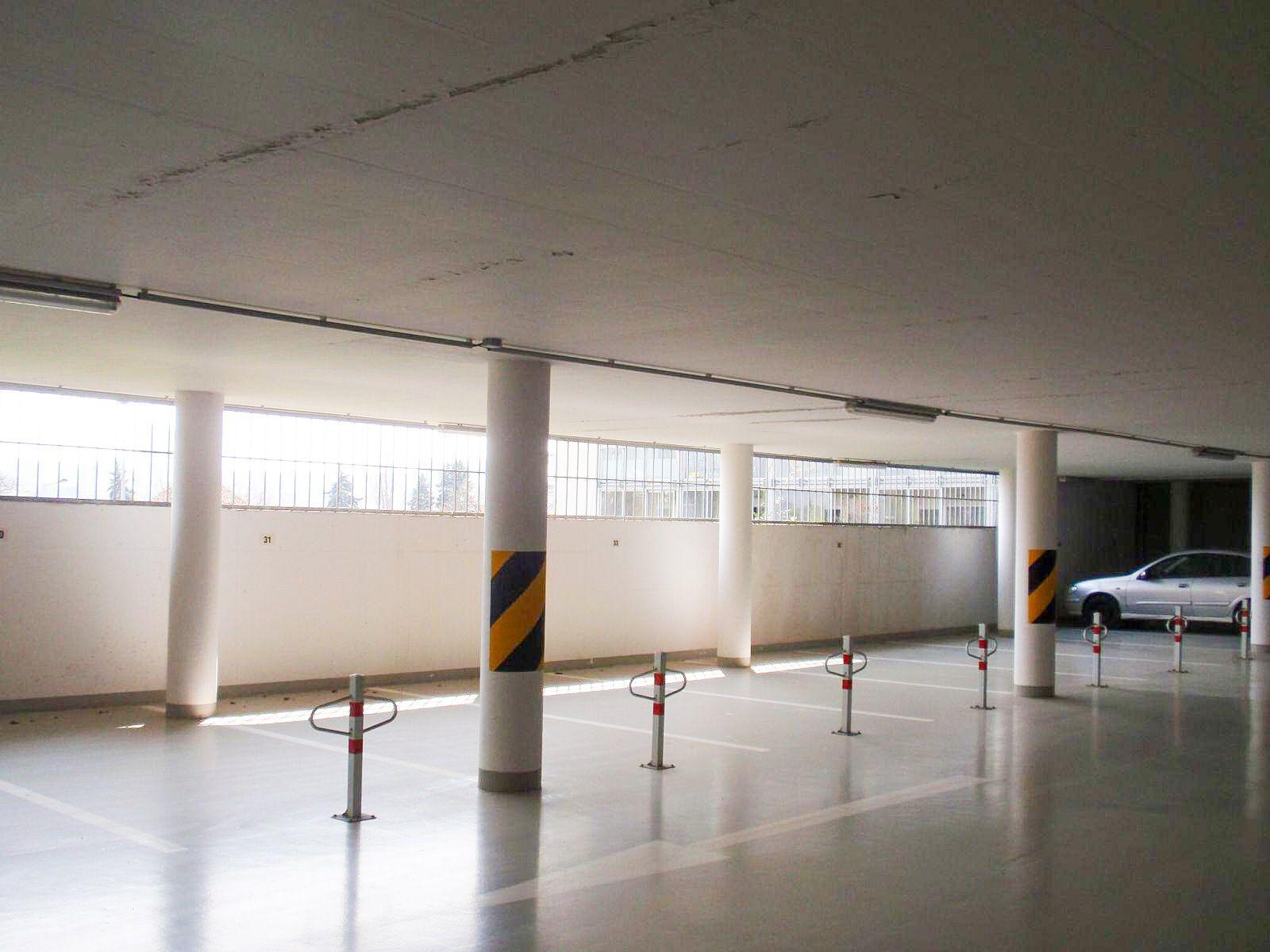 Pronájem garážového stání Praha, Michle za 1350 Kč 12m2