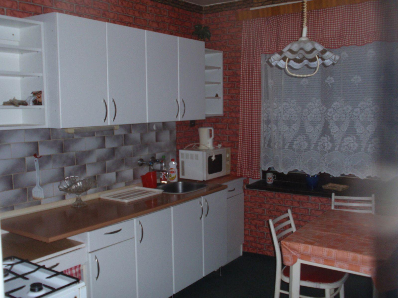 Pronájem zařízeného bytu 2+1 v Trutnově-Poříčí 50m2