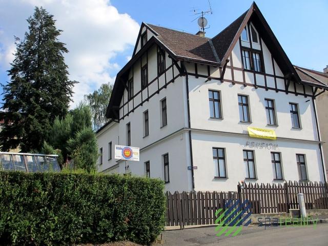 Komerční objekt s vedl.pozemkem -KV Drahovice
