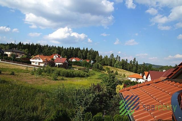 Prodej kompletu tří sousedících stavebních parcel v lokalitě KV-Motýlek