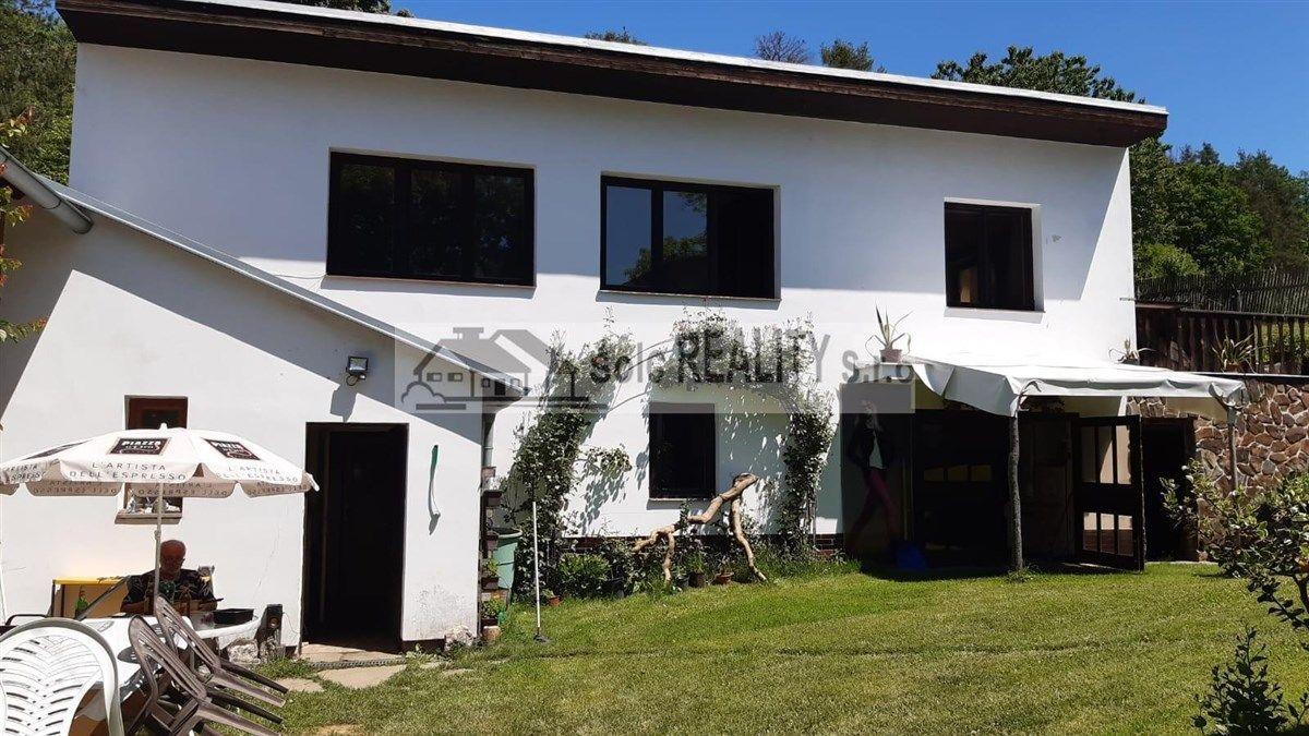 Prodej  zemědělské usedlosti 2xRD + stodola, poz. 3989 m2 - Lipí
