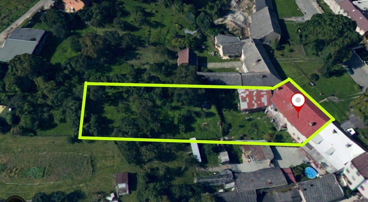 Atraktivní stavební pozemek s objektem k bydlení k demolici v Neředíně