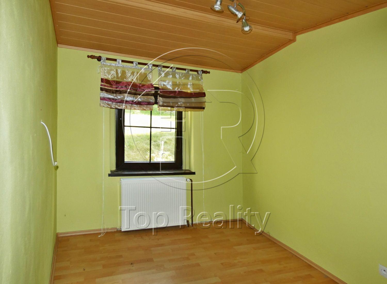 Prodej bytu 3+1 se zahradou a garáží - Karlovy Vary